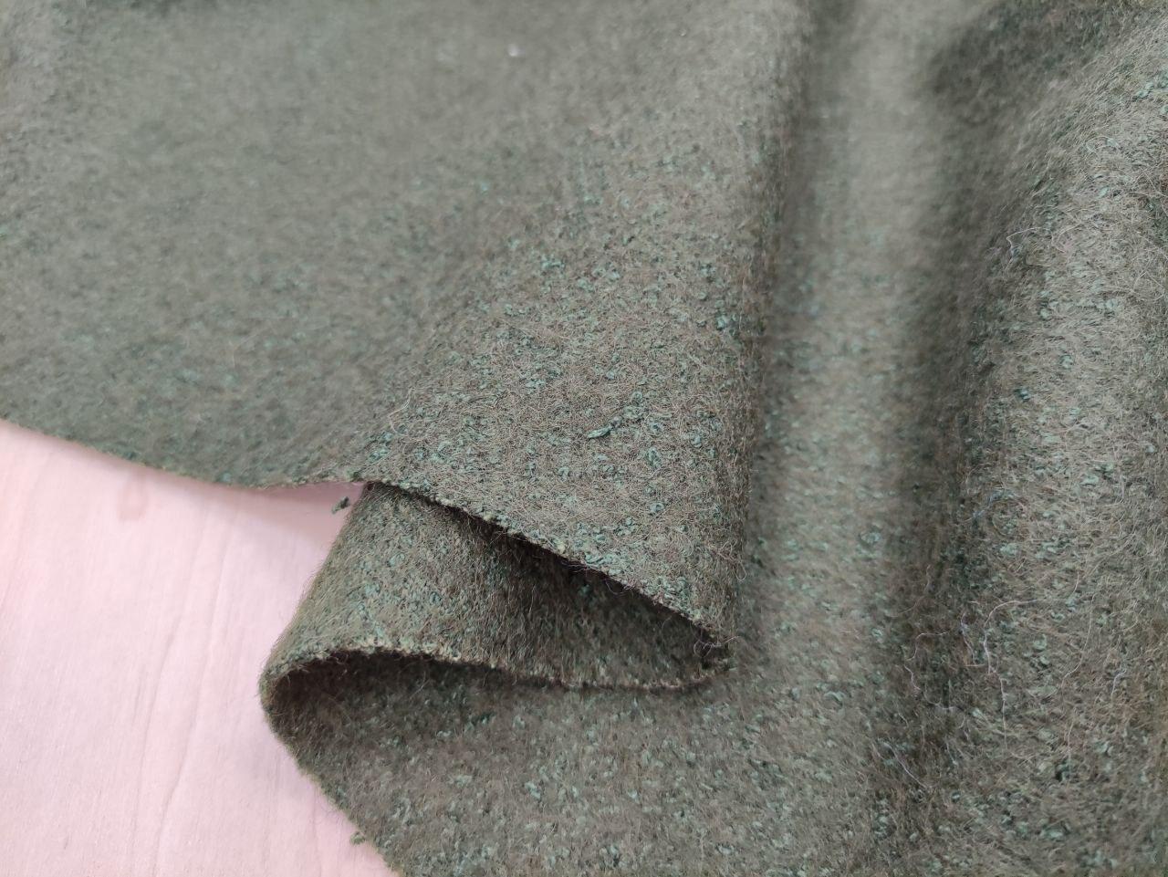 Купить ткань из валяной шерсти перья петуха на ленте купить в москве